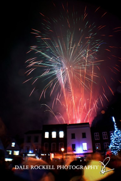 LB Xmas Fireworks_30-11-12_Collage1