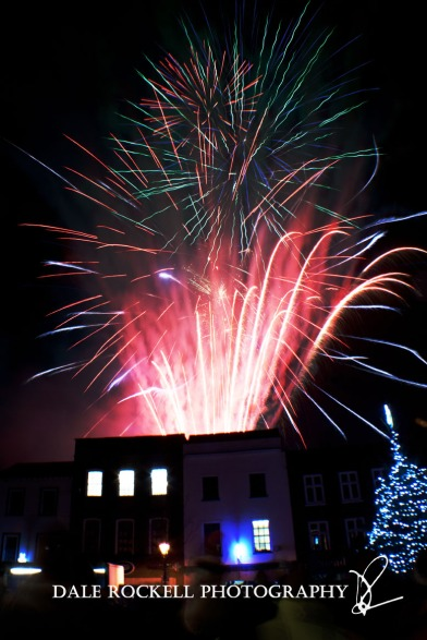 LB Xmas Fireworks_30-11-12_Collage2